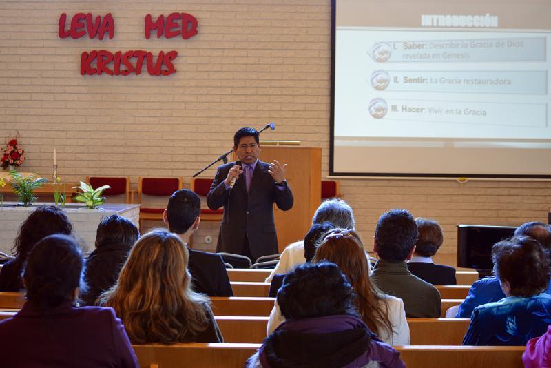 Wilson Lagos undervisar i ett av seminarierna.