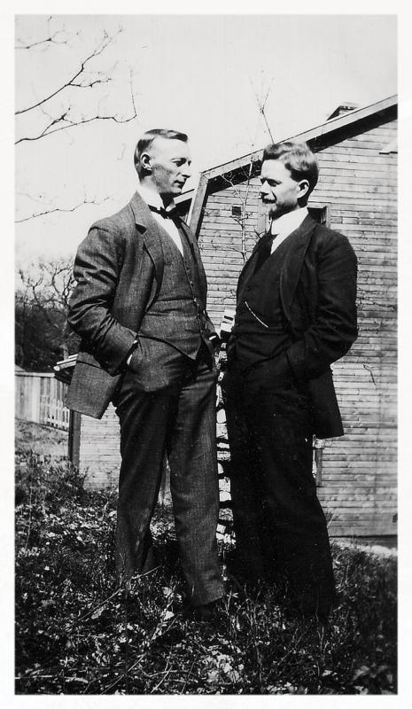 Alfred Anderson t.v. tillsammans med Clarence Anderson i Kallinge i Blekinge 1924.