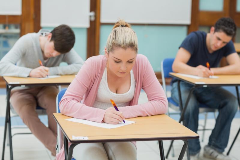 Från och med 2018 kommer högskoleprovet under våren att skrivas en lördag och på hösten en söndag.